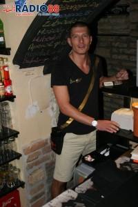 Pót Péter - Blues Café - felszolgáló